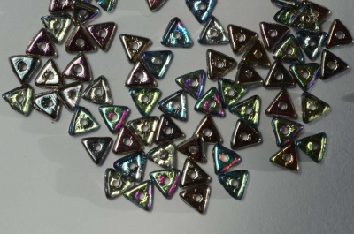 Tri Grey Crystal Graphite Rainbow 00030-98537 Czech Beads x 5g