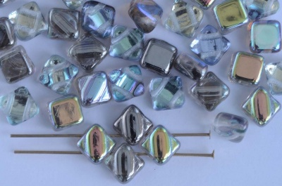 Silky Grey Crystal Graphite Rainbow 00030-98537 Czech Glass Beads x 10g