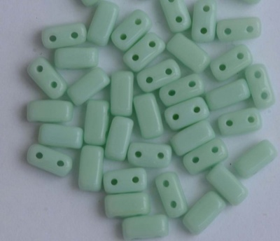 Brick Green Opaque Pale Jade 63100 CzechMates Beads x 50