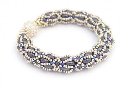 Pattern Luna Bracelet uses Half Moon Foc with Bead Purchase