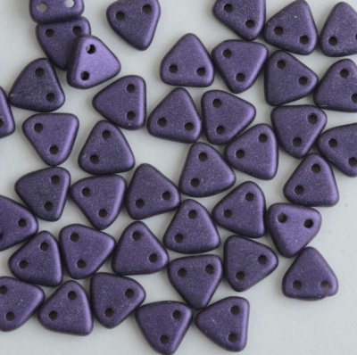 Triangle Purple Jet Metallic Suede Purple 23980-79021 Czech Beads x 10g