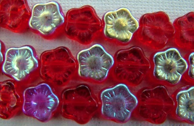 Flower Hd Red 8 10 mm Siam Ruby AB 90080-28701 Czech Glass Bead x 25