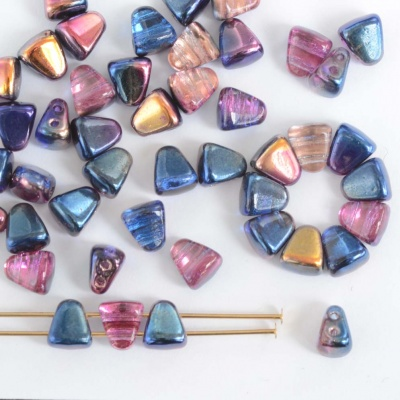 Nib Bit Blue Crystal Magic Blue 00030-95100 Czech Glass Bead x 10g