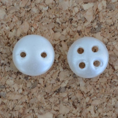Lentil 2 4 Hole Quadralentil 6mm White Pastel Snow 02010-25001 Czech Bead x 50