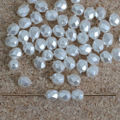 Fire Polished White 3 4 mm Bright White Pearl 02010-70400 Czech Bead