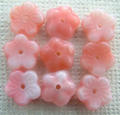 Flower Ch Flat 8mm Pink Strawberry Cream 07724 Czech Glass Bead x 50