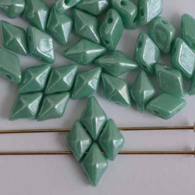 Diamonduo Green Turquoise Shimmer 63120-14400 Czech Glass Bead x 5g